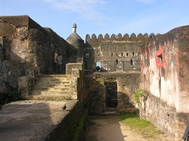 http://www.kenya.it/images/Museo-Fort-Jesus-Mombasa.jpg